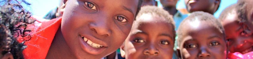 Vrijwilligerswerk in Afrika,voluntourism africa, vrijwilligerswerk afrika, knuffelleeuwtjes, miriam mannak, afrika correspondent, correspondent kaapstad, correspondent zuid-afrika, afrika nieuws